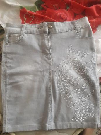 Юбка    джинсовая    со  стразиками