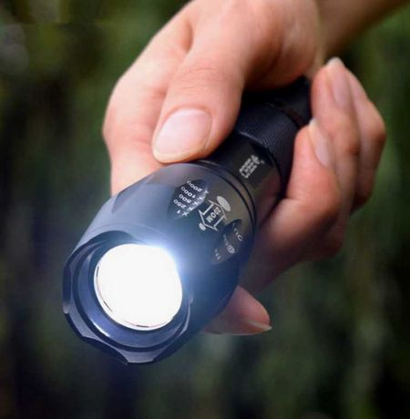 Ультра-яркий фонарь Atomic Beam аккумулятор в комплекте