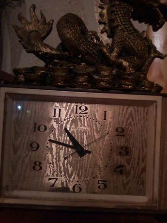 Старинные часы.Еще идут