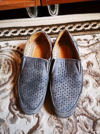 Продам обувь размер 33