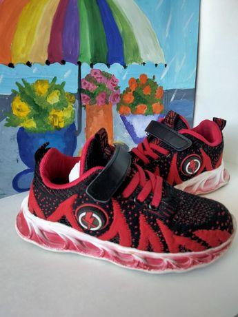 Лёгкие кросовки 31 р
