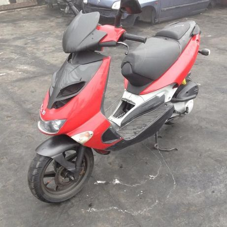 Мотоциклет,скутер АприлияSR (Аprilia SR )50- на части