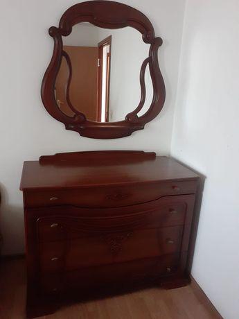 Продам спальный гарнитур в отличном состоянии.