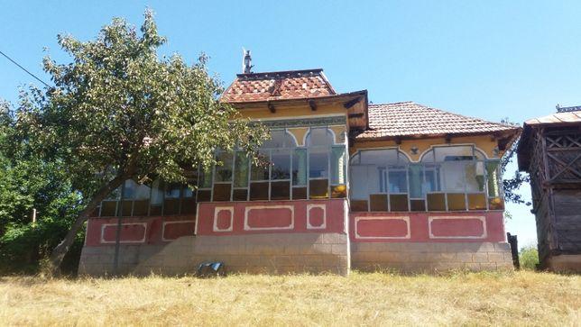 Vând casă in satul Dejesti, comuna Vitomirești