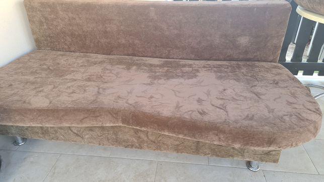 Canapea cu depozitare