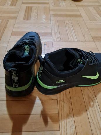 Обувь на мальчика(34-35 размер)