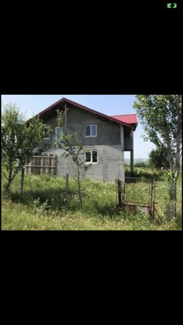 Casa la roșu, geamuri și uși termopan+1300mp