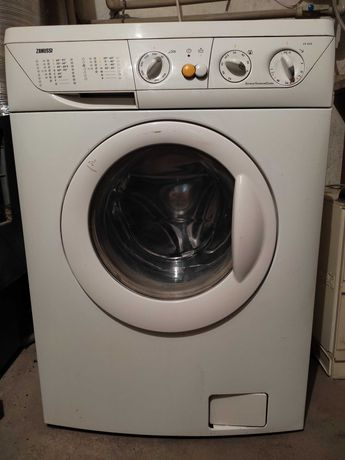 Продам стиральную машину Zanussi FV -832