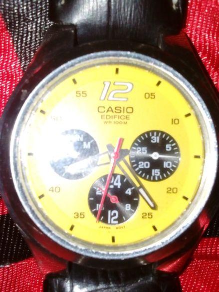продавам часовник КАСИО