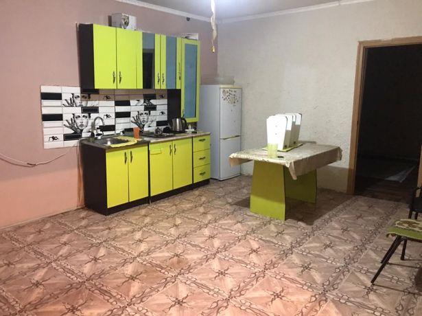 Кухонный гарнитур + стол со стульями