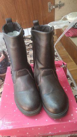 Продаются обуви 30