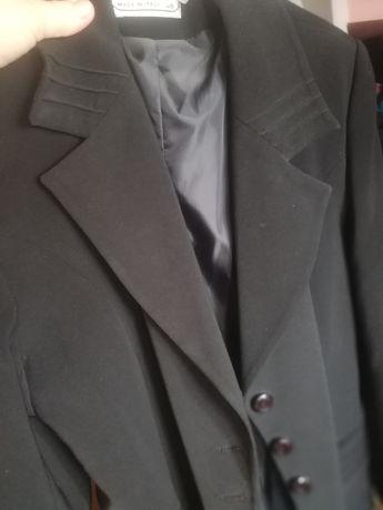 Vând haina lunga