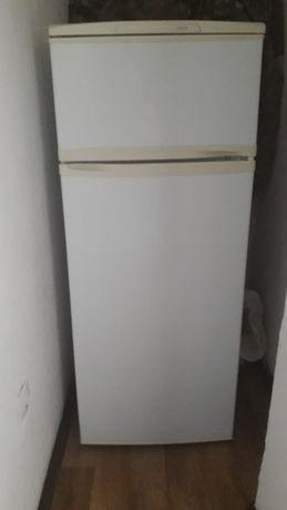 Продам срочна холодильник