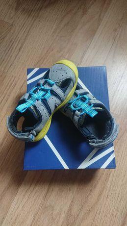 Обувки детски Geox.