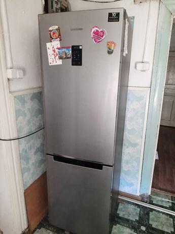 Продам холодильник, новый