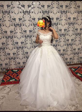 Продам свадебную платью