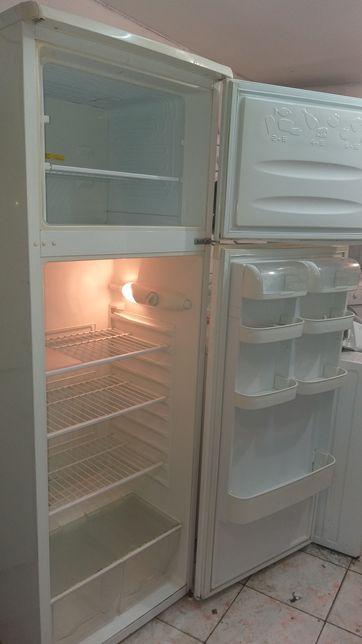 Vand frigider artic cu congelator