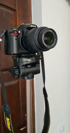 Nikon DSRL D5000 + obiectiv AF-S NIKKOR 18-55mm+ trepied hamma
