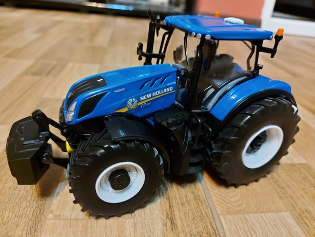 Macheta Tractor 1/32 NEW HOLLAND T7  315