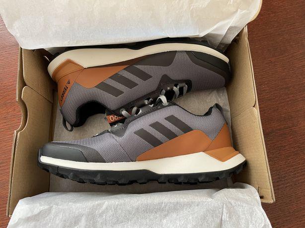 Кроссовки adidas terrex (НОВЫЕ, размер 38,5)