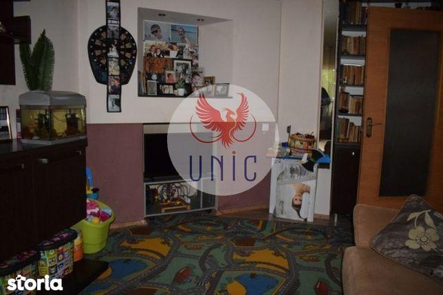 Apartament 4 camere, decomandat, Sarari (ID: 4072)