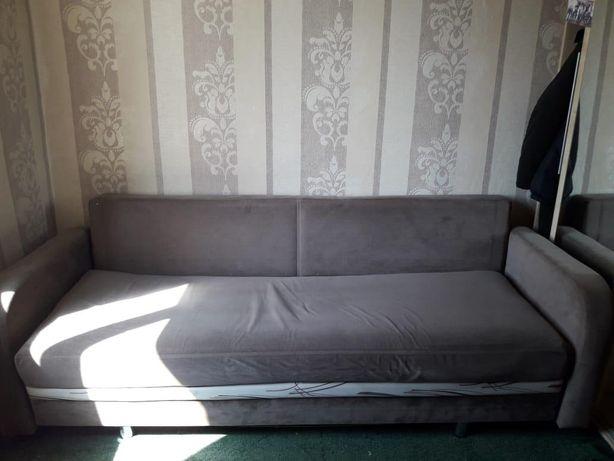 Продам диван , и 2 кресла