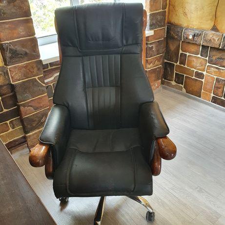 Продам офисное кресло кожа