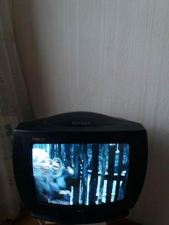 Телевизор.в хорошем состоянии. Цветной экран.показывает как новый.