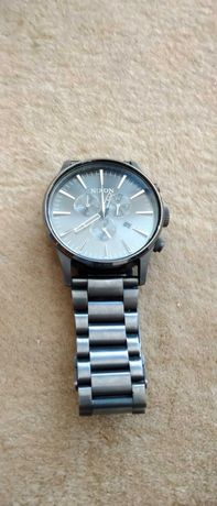 Продавам часовници Nixon, Casio и Tag Heuer