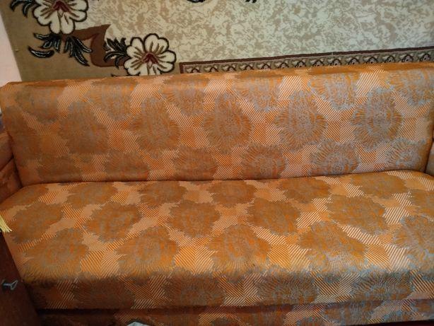Продается диван раскладной.