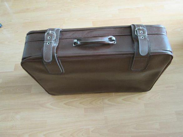 Продавам куфар