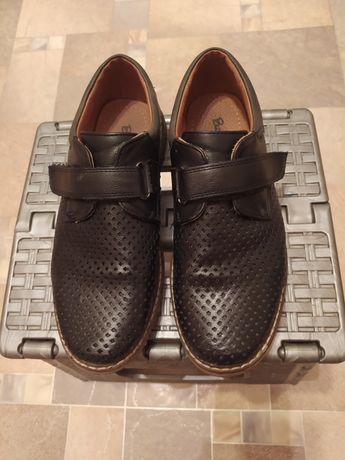 Туфли на мальчика 34 р.