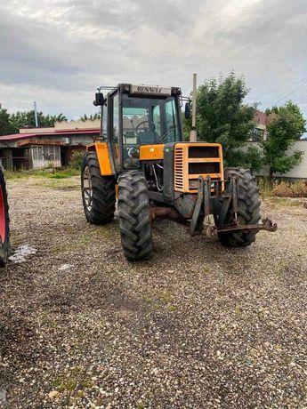 Vând Tractor Renault