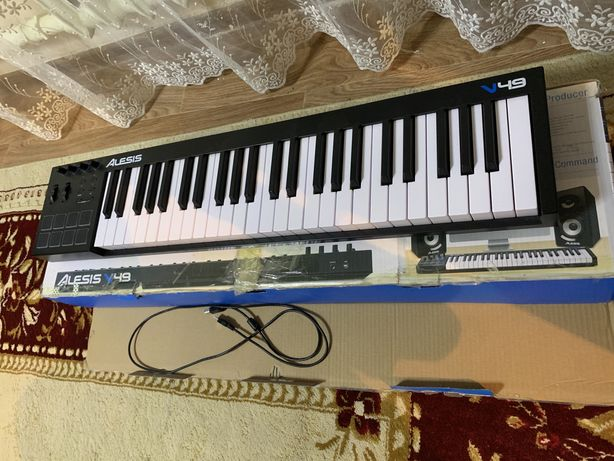 Продам Midi-клавиатуру Alesis V49