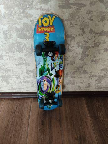 Продам детский скейтборд деревянный 60 см 2.000 катались пару раз