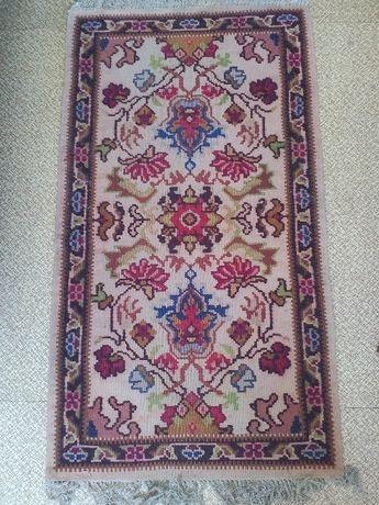 Намален! Рядък котленски килим ръчнотъкан