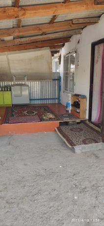Ерубаева 4.2 квартира сатылады 2 болмелы астыңғы этаж өз ауласымен