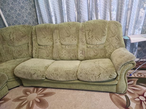 Продам диван с креслом раскладное в хорошем состоянии цена 40 тысяч