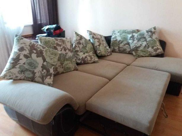 срочно продается диван в очень хорошем состоянии,