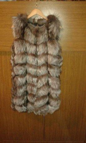 Продам новую меховую жилетку чернобурка натуралка