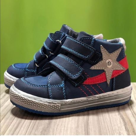 Ортопедические ботинки и сандалии