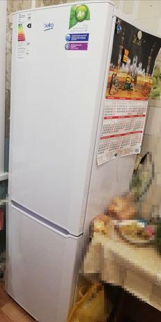 Продам холодильник двухкамерный