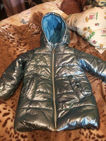 Продам куртку детскую