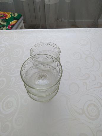 Продам стеклянные вазы