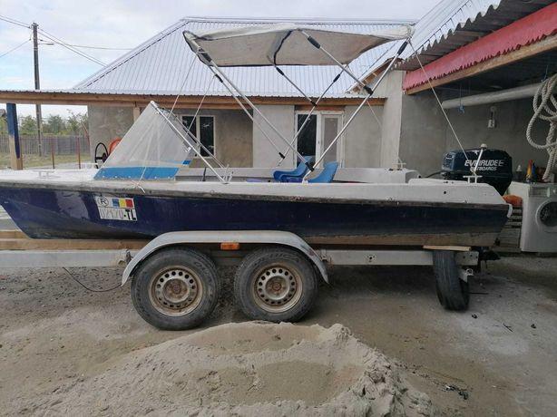 Barci, motor, peridoc, inmatriculate