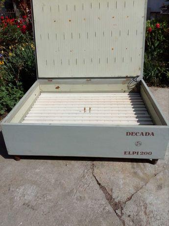 инкубатор за 200 яйца на 220 и 12 волта