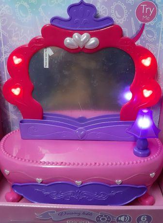 Детска тоалетка с огледало и аксесоари