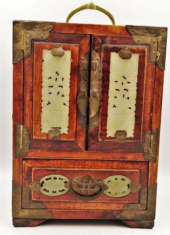 Кутия за бижута ,органайзер с нефрит