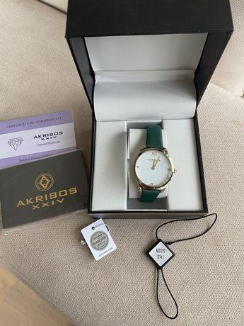 Дамски часовник с диаманти и камъни Swarovski