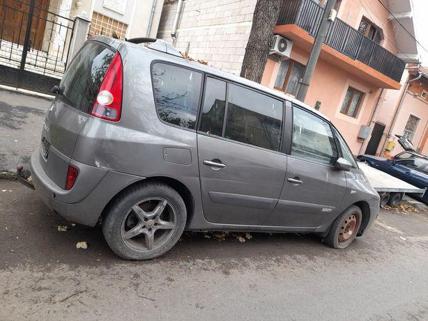 Dezmembrez Renault Espace 2.2dci